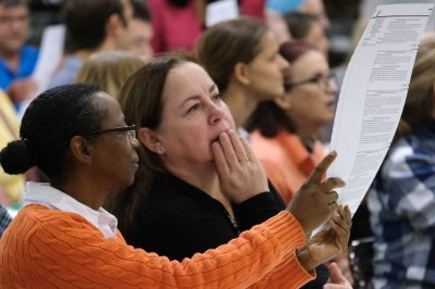 Florida recount: 2 large counties finish; another begins