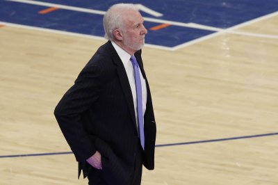 Spurs coach Gregg Popovich ejected 63 seconds into loss vs. Nuggets