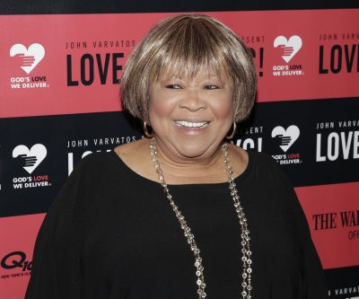 Mavis Staples, Jeff Tweedy team up on new song for charity