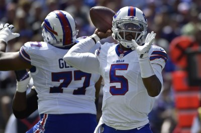 Buffalo Bills: Tyrod Taylor, LeSean McCoy help grind out win over New York Jets