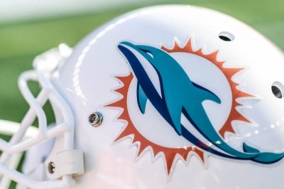 Miami Dolphins fire offensive coordinator Chad O'Shea, two other assistants