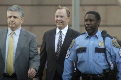 Enron's Skilling talks to feds on sentence