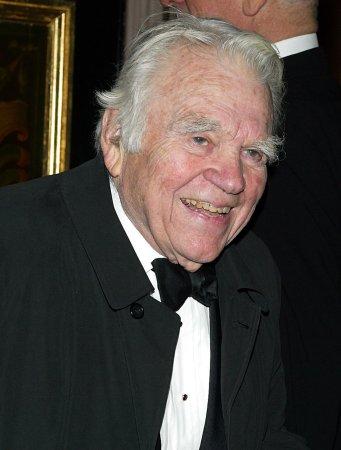 TV veteran Andy Rooney dead at 92