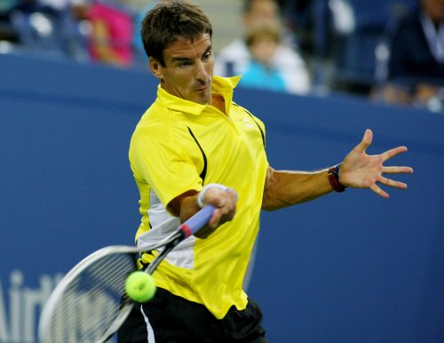 Robredo upsets Gasquet at Australian Open