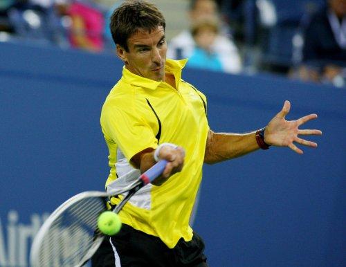 Robredo upsets Gasquet at Australian Open