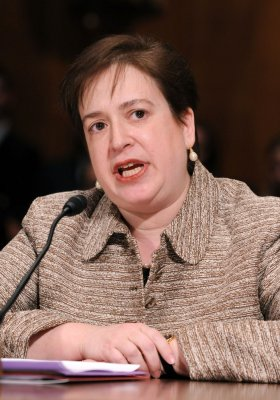 Obama taps Kagan as choice for top court
