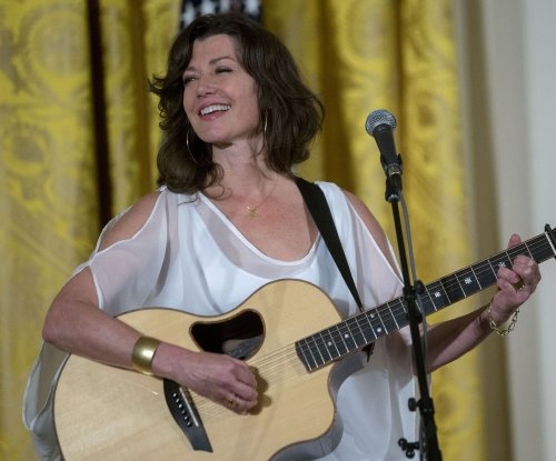 Amy Grant undergoes open heart surgery for rare condition