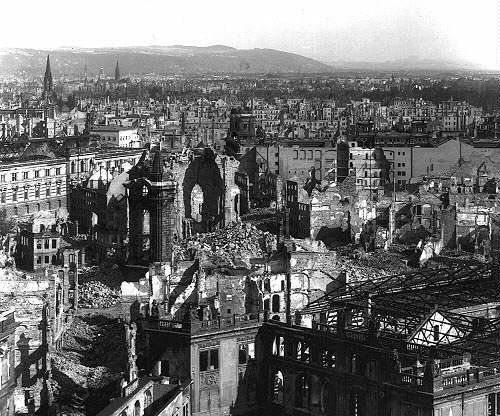 Dresden notes 70th anniversary of firebombing