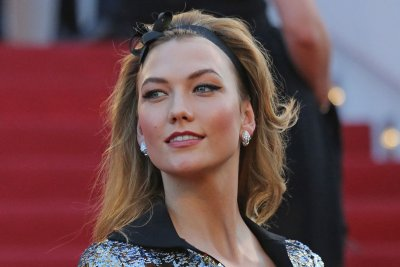 Karlie Kloss and Adriana Lima shine in Cannes