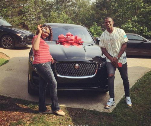 Texans new QB Watson buys mom a Jaguar