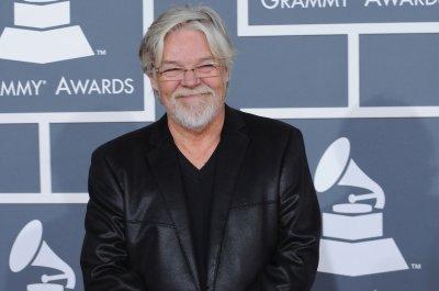 Bob Seger releases full catalog onto music streaming services