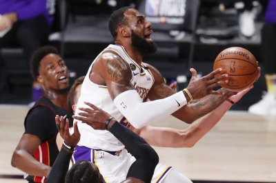 LeBron, Lakers top Heat for 17th NBA title in franchise history