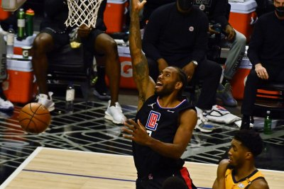 Clippers star Kawhi Leonard to remain out for Game 3 vs. Suns