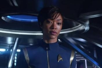 'Star Trek: Discovery': Sonequa Martin-Green battles Klingons in first trailer