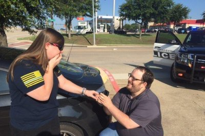 Texas traffic stop turns into wedding proposal
