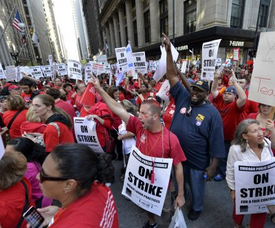 Chicago teachers to walk out after contract talks fail