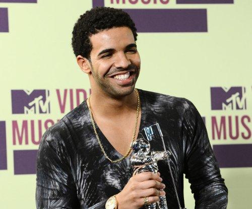 Drake celebrates 30th birthday with Taylor Swift, John Mayer
