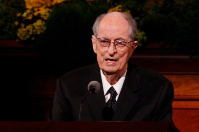 Mormon apostle Robert Hales dies at 85