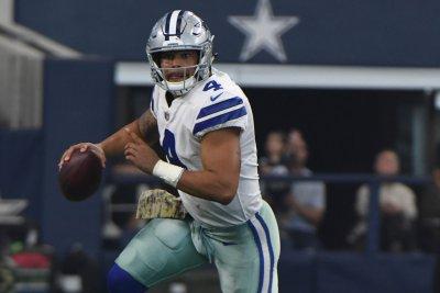 Dallas Cowboys find their way past Kansas City Chiefs through the air