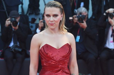 'Jojo Rabbit': Scarlett Johansson rebels in new trailer for WWII satire