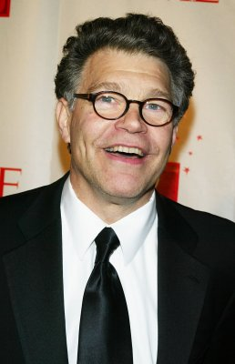 Minn. Dems nominate Franken for Senate