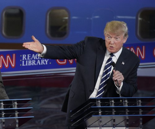 Trump unleashes rant in Iowa, compares Carson to 'child molester'