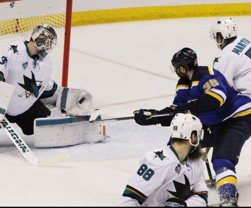 Troy Brouwer, Kyle Brodziak help St. Louis Blues even series