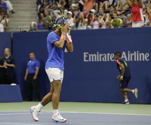 Grigor Dimitrov jolts Rafael Nadal to reach semis in China