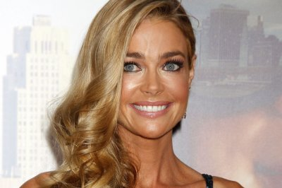 Report: Denise Richards engaged to Aaron Phypers