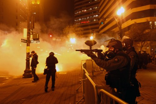 Oakland to review anti-demonstration bill