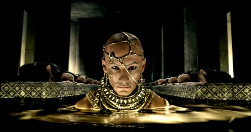 Snyder returns to the world of ancient Greece for '300' sequel