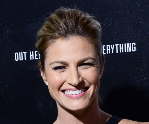 Erin Andrews explains eye roll during Noah Galloway's proposal