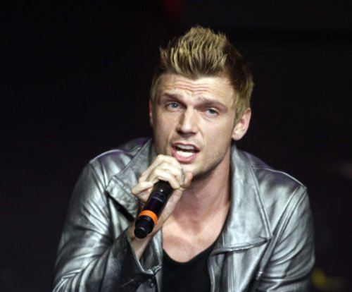 'Dancing with the Stars': Watch Nick Carter slip, take shoes off during live performance