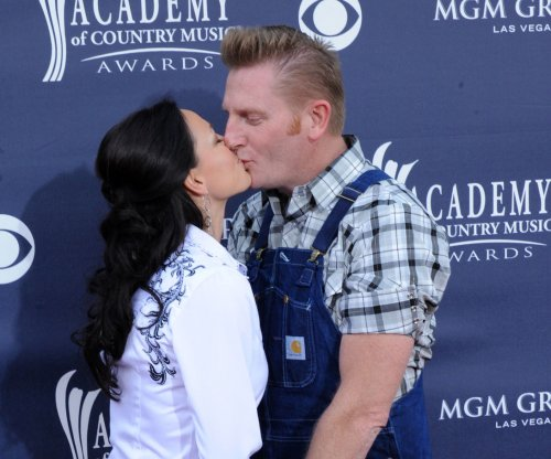 Joey Martin Feek of Joey + Rory fame stops cancer treatment