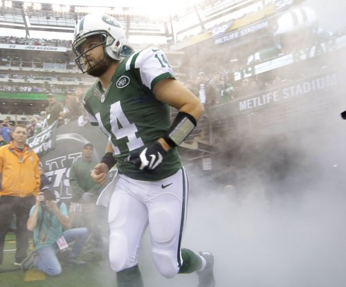 Ryan Fitzpatrick: New York Jets quarterback willing to sign one-year deal