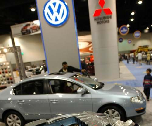 Volkswagen to pay $10 billion to settle 'cheat device' emissions suit