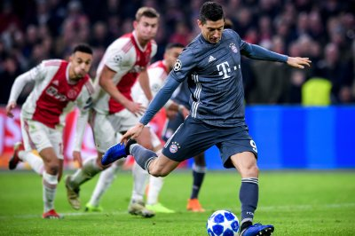 Bayern Munich, Ajax draw in Champions League after 2 red cards