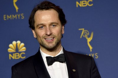 Matthew Rhys to star in new 'Perry Mason' drama