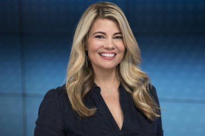 Lisa Whelchel says 'Facts of Life' co-stars are like her sisters