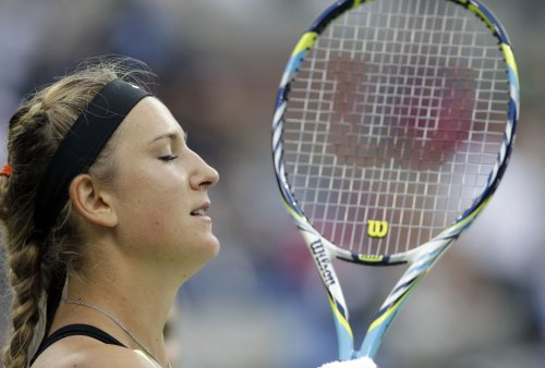 Azarenka remains atop women's tennis