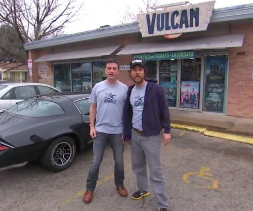 Jimmy Kimmel, Matthew McConaughey film ad for Austin video store