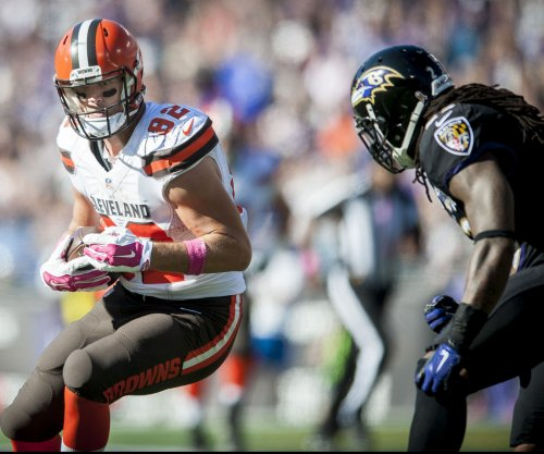 Cleveland Browns TE Gary Barnidge (hernia surgery) out until camp