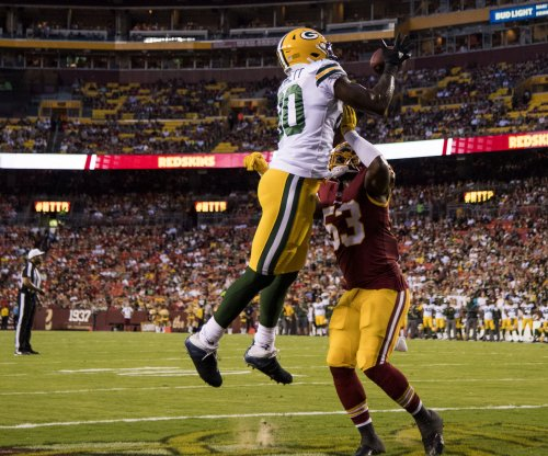 Green Bay Packers TE Martellus Bennett stays silent about retirement plans
