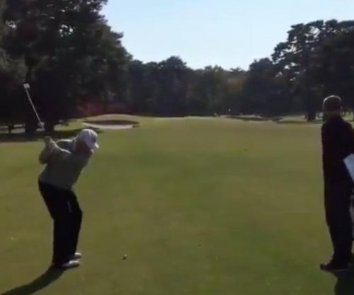 Donald Trump: Take a look at this POTUS golf swing against a PGA Tour pro