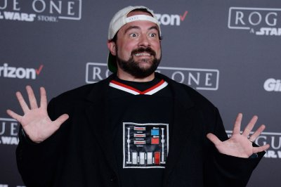 Kevin Smith returns home after massive heart attack