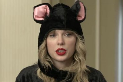 Taylor Swift, 'Cats' cast attend cat school on 'Late Late Show'