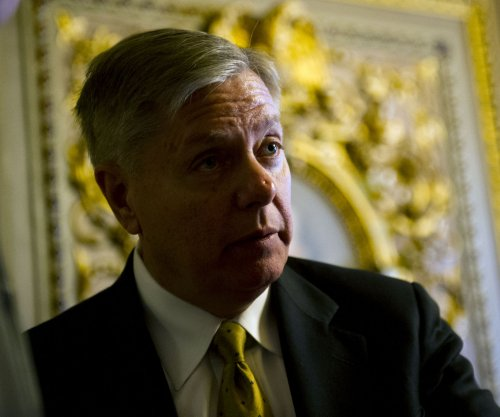 Sen. Graham: GOP-led Benghazi report 'full of crap'