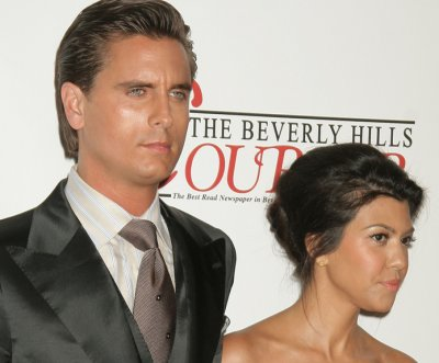 Kourtney Kardashian, Scott Disick reunite over Thanksgiving