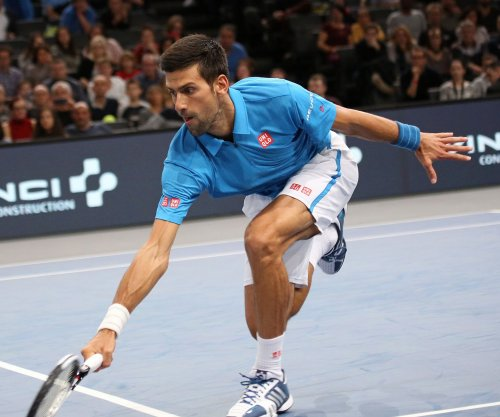 Novak Djokovic overcomes first-set loss for win in London