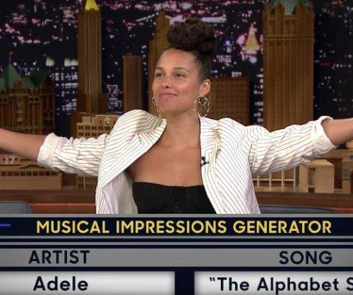 Alicia Keys sings as Gwen Stefani, Adele on 'Tonight Show'